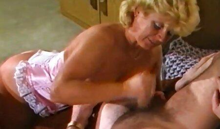 Sunrise Adams dobiva svoj prvi analni kurac gratis prno film