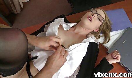 Amelia film porno hd free se igra svojom džepnom raketom