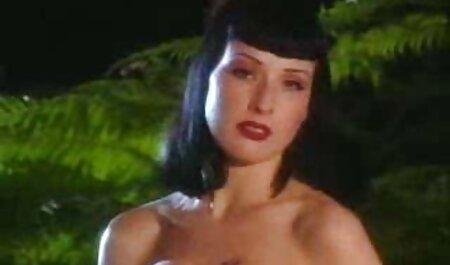 Madeline Marie masturbira na novi porno filmovi spermu